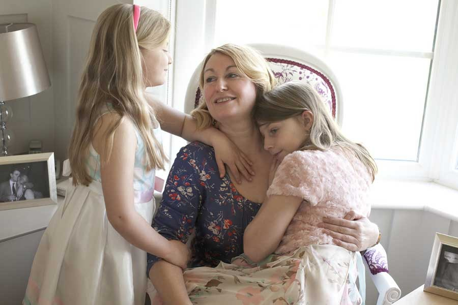 JULIE WITH DAUGHTERS - Mothers and Daughters project